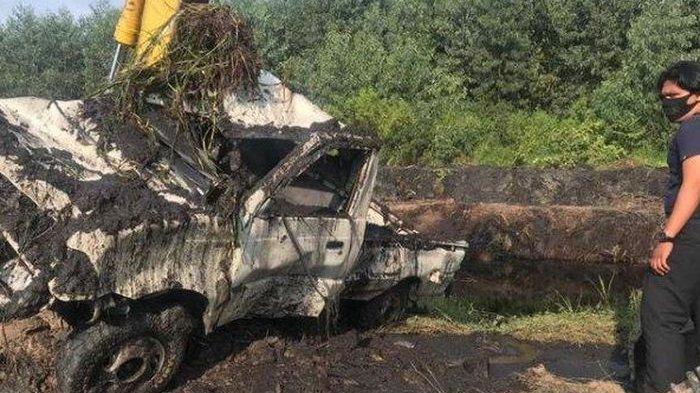 Bersihkan Kanal, Operator Eskavator Temukan Mobil Berisi Tulang Belulang, Diduga Sudah Lama Terkubur