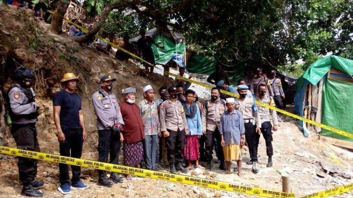 HARTA Karun Emas TERBENTANG Luas di Padang Sabana, Warga Rebutan Picu Perkelahian Massal
