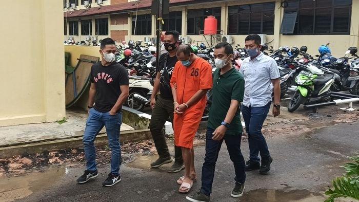 Ditangkap Jatanras Polda Sumsel, Bodong Ungkap Aksi Pelaku Penyiraman Air Keras Terhadap Aktivis 98