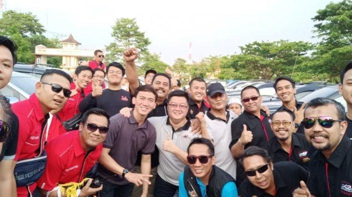 Datangi Kampung Halaman Tito Karnavian di Palembang, Komunitas ID42NER Berikan Bantuan
