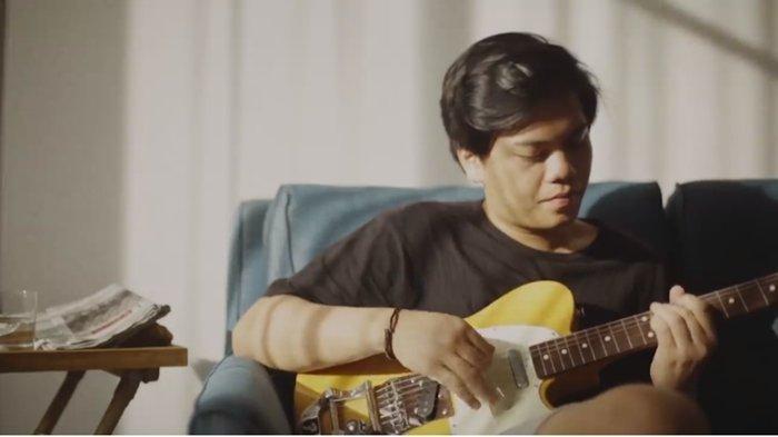 Kunci Gitar Lagu Blue Jeans oleh Gangga Versi Mudah dengan Kunci Dasar G dan Arti, Viral di TikTok