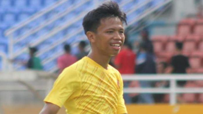 Gelandang Serang Sriwijaya FC Alvin Bakal Teruskan Usaha Pakan Bebek di Porong Jawa Timur