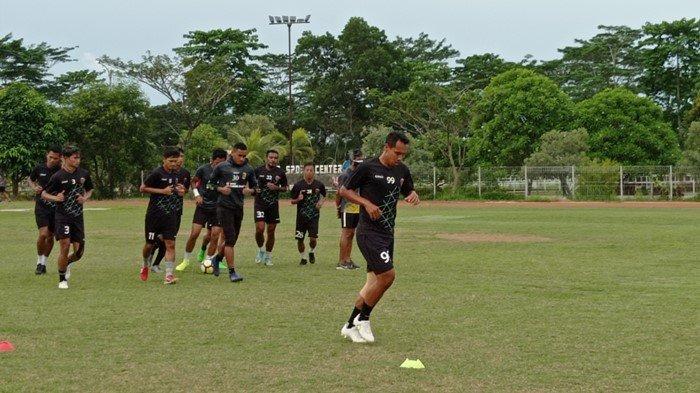 Presiden Joko Widodo Perpanjang PPKM Level 4, Libur Latihan Sriwijaya FC Molor Lagi