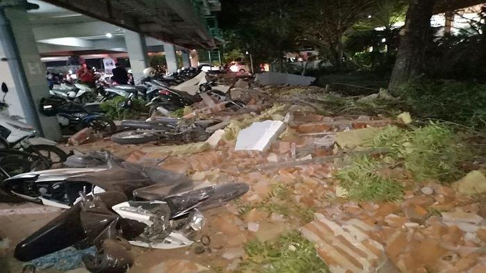 Gempa Lombok: 82 Meninggal, Ada yang Patah Tulang, Ribuan Mengungsi