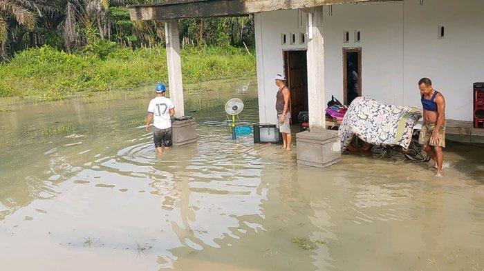 35 Rumah di Desa Tanjung Beringin Muratara Terendam Banjir, Warga tak Sempat Selamatkan Harta Benda