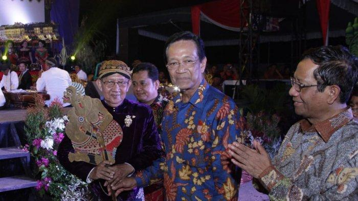 Sri Sultan Hamengkubuwono X Hadiri Pagelaran Wayang Kulit Semalam Suntuk di Tanjung Lago Banyuasin