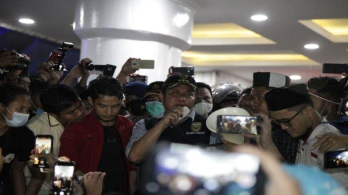 Herman Deru Temui Ribuan Mahasiswa yang Demo Tolak UU Cipta Kerja, Janji Sampaikan Aspirasi ke Pusat