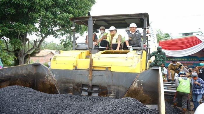 Herman Deru Dorong Penerapan Aspal Karet Lateks di Sumsel