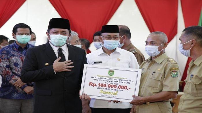Herman Deru Guyurkan Rp7,7 Miliar Bantu Desa Persiapan di Sumsel, dan Serahkan Surat Plt Bupati PALI