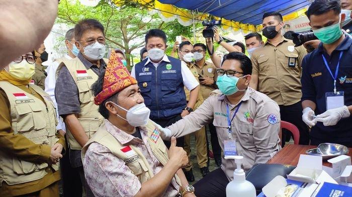 Vaksinasi bagi 453 Orang Warga dari PNSB Disambut Antusias, Ditinjau Gubernur Sumsel Herman Deru