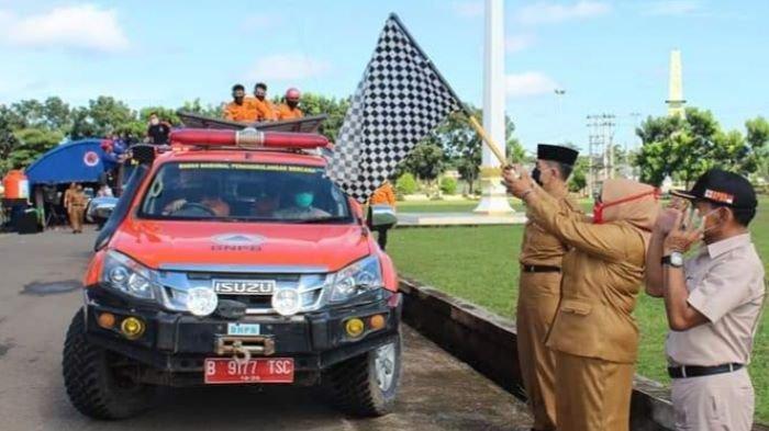Wabup Musirawas Lepas Tim Penyemprotan Desinfektan di Kecamatan Sukakarya dan BTS Ulu