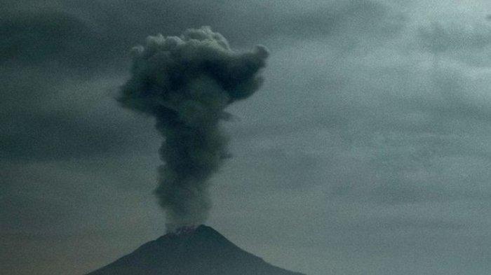 Gunung Sinabung Kembali Meletus. Abu Letusan Mencapai 4 Kilometer