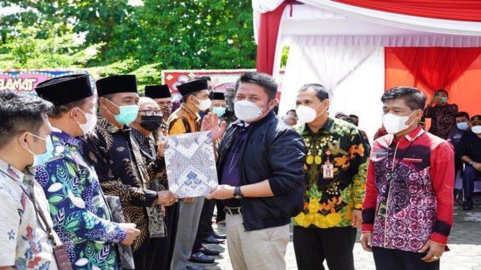 Gubernur Sumsel Serahkan 78 Sertifikat Tanah di Kota Lubuk Linggau