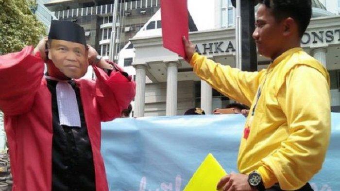 Ketika 54 Guru Besar Lakukan Aksi Protes Terhadap Hakim MK