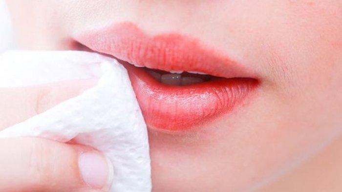 Ingin Hapus Lipstik di Bibir Agar Hasilnya Benar-benar Bersih? Cukup Lakukan 4 Langkah Ini