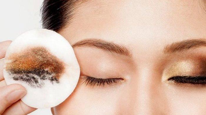 Make Up Cleanser Habis? Untuk Menghapus Riasan Waterproof, Gunakan 3 Produk Kecantikan Ini
