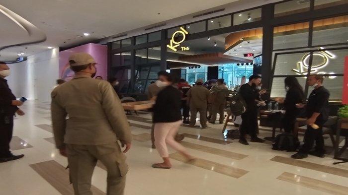 Sidak Hari Pertama PPKM Mikro di Palembang, Petugas Gabungan Bubarkan Pengunjung yang Masih Ngopi