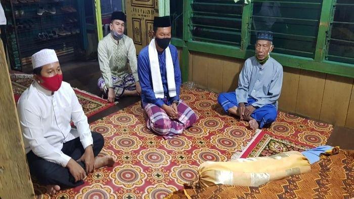 Tangis Haru Keluarga Agus Setiawan Pecah Saat Walikota Harnojoyo Melayat ke Rumah Almarhum