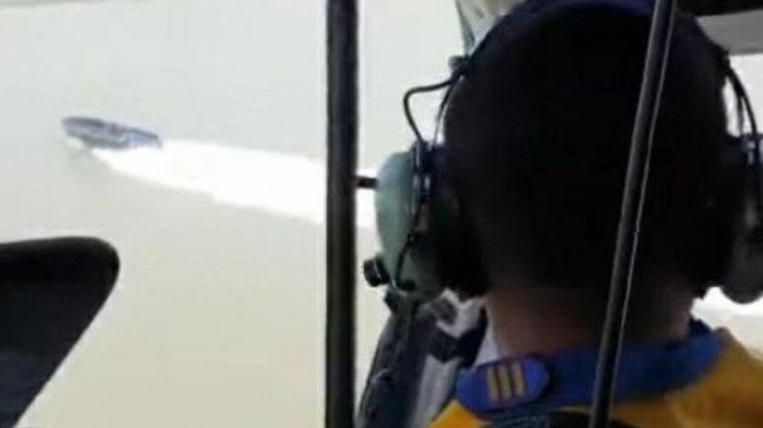 RENTETAN Tembakan Helikopter Polisi Tak Digubris, Kapal 'Hantu' Melaju Kencang Hingga Masuk Bakau