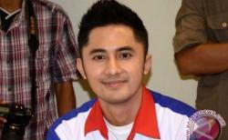 Hengky Kurniawan Alami Kecelakaan Mobil, Siti Badriah Gagal Duet Bareng