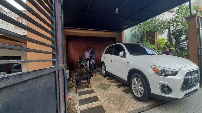 BREAKING NEWS : Heriyanti Sesak Napas, Ambulans Disiagakan di Rumah Anak Akidi Tio
