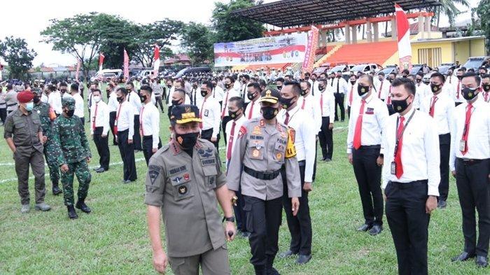 Herman Deru Bacakan Amanat Kapolri, Pimpin Apel Gelar Pasukan Lilin Musi dan Tahun Baru Polda Sumsel