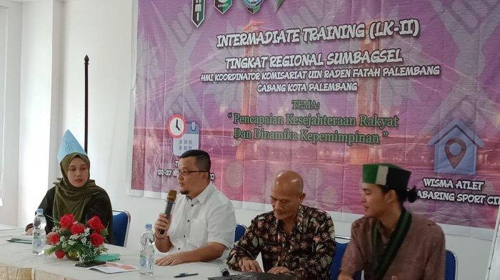 Beri Motivasi Mahasiswa HMI, Hendri Zainuddin Akui Berat Ngurus Sriwijaya FC - hmi2jpg.jpg