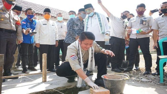 Herman Deru Bantu Pembangunan Gedung Sekolah YPI Abdul Rahman Muara Enim