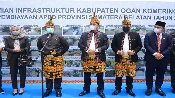 Hadiri HUT ke 17 OKU Selatan, Gubernur Sumsel Apresiasi Pesatnya OKU Selatan di Era Bupati Popo Ali - hutokus9.jpg