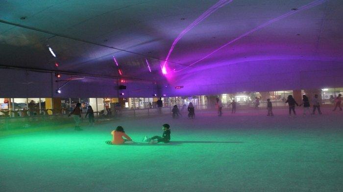 Jadwal Permainan OPI Ice Skating Arena Dibagi 5 Sesi, Catat Syarat Promo Beli Tiket Gratis Satu