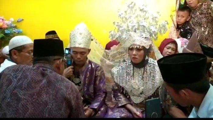 Unik, Ijab kabul Pernikahan di Muara Lakitan Ini Disahkan Sang Ayah Via Video Call, Sah?