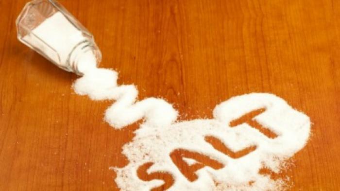 Cara Mudah Kurangi Garam di Makanan