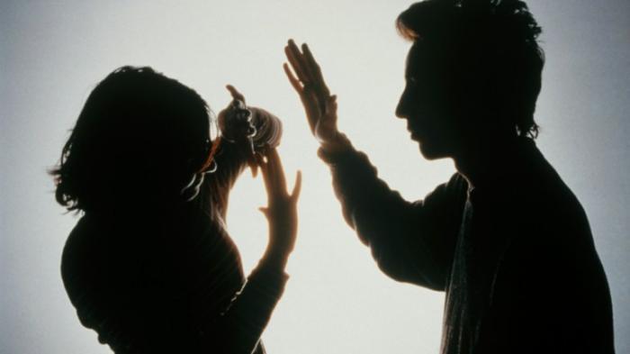 Meski Sudah Bersujud, Istri Ini Terus Ditampari Suami, Dipicu Pinjaman Online