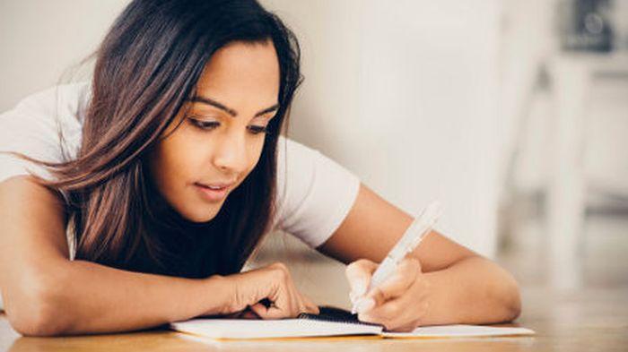 Tips Menulis Cerpen Agar Menarik dan Memikat Pembaca
