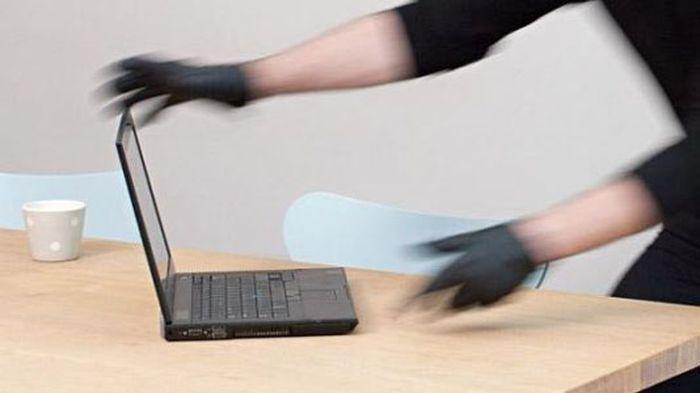 Baru Bangun Tidur, Sugi Terkejut Lihat Pintu Rumah Kantornya Kondisi Rusak, 2 Unit Laptop Raib
