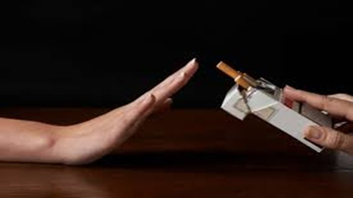Bukan Makanan atau Minuman, Ini Penjelasan Mengapa Merokok Bisa Bikin Puasa Batal, Ada 2 Alasan!