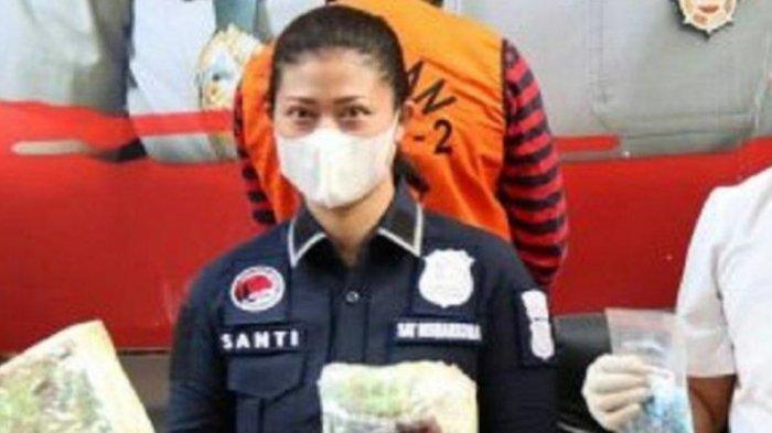 'Mama Kerja Tangkap Penjahat' Cerita Iptu Santi Pembongkar Sabu Rp 400, Malam Jadi Ibu Rumah Tangga