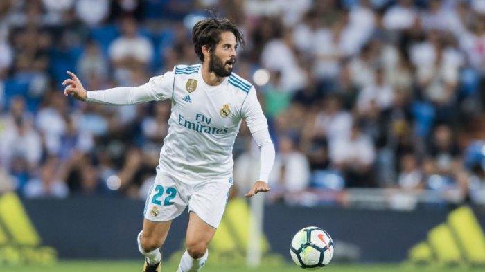 Lihat Aksi Heroik, Gelandang Real Madrid, Isco Saat Selamatkan Burung Kecil  Ditengah Pertandingan