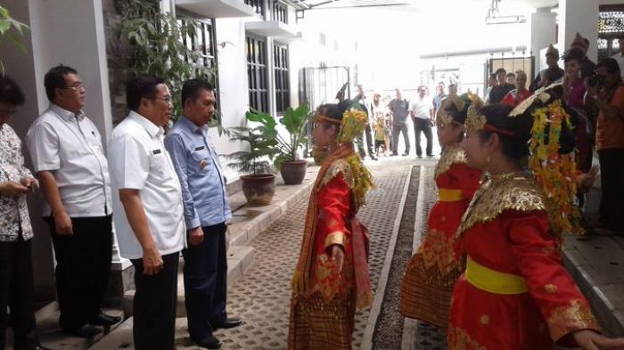 Wagub Ishak Mekki Ingatkan Daerah Agar Perhatikan Infrastruktur Jalan