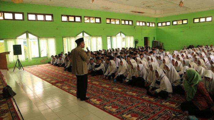 Peringati Isra Mi'raj, Siswa MANSAPA Hadapi Tiga Poin Penting Cegah Pergaulan Remaja