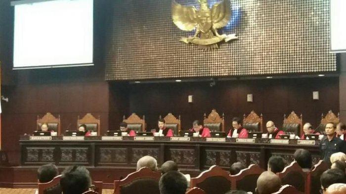Momentum Perbaikan Lembaga Melalui Pergantian Ketua MK