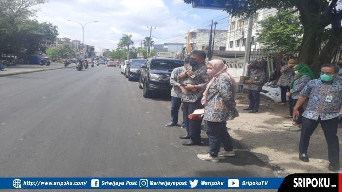 Rusak Sejak Lama, Jalan Ahmad Yani Palembang Akhirnya Diperbaiki dengan Cara Diaspal Ulang