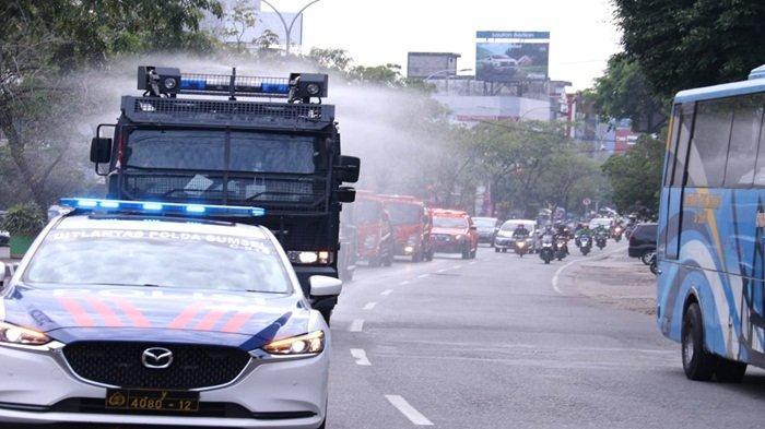 Wakapolda, Danrem 044/Gapo, BPBD, Kadinkes Lepas Ranmor Penyemprotan Disinfektan di Kota Palembang