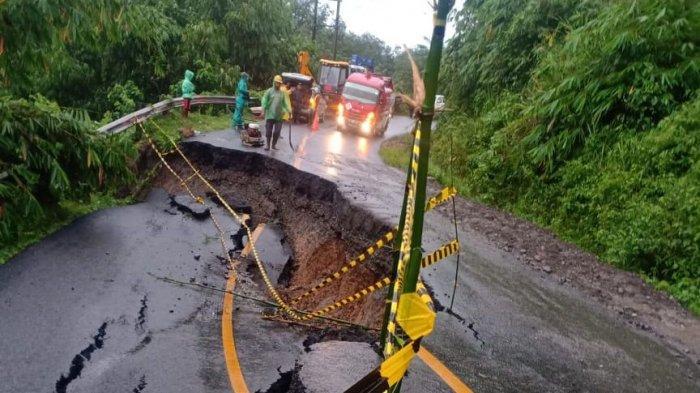Imbas Hujan Semalaman, Jalan Lintas Sumatera Lahat - Pagaralam Longsor: Ditutup Sementara