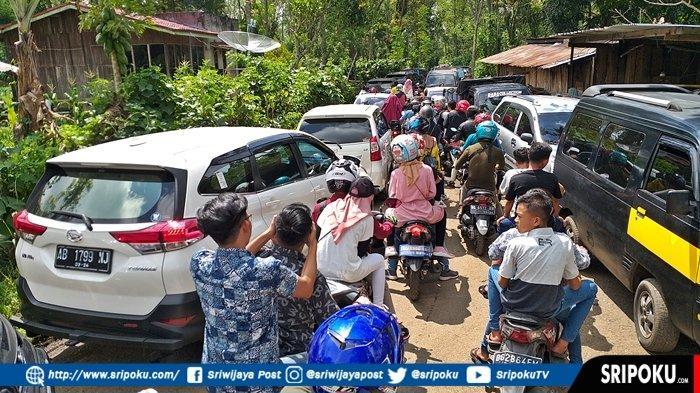 Hari Kedua Idul Fitri 1440 H, Jalur Menuju Objek Wisata di Pagaralam Padat Merayap