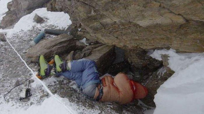 Mengapa Jasad Manusia Tak Dievakuasi dan Dibiarkan Begitu Saja di Gunung Everest? No 4 Jadi Penanda