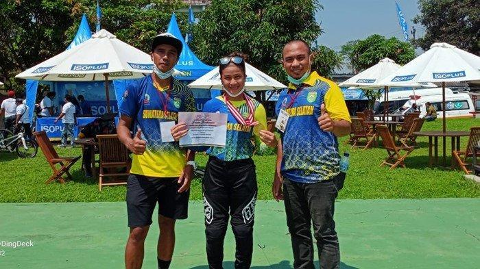 Atlet Cantik Sumsel Jawara di Kejurnas Yogyakarta, Tumbangkan Lawan di Cabor BMX Cross