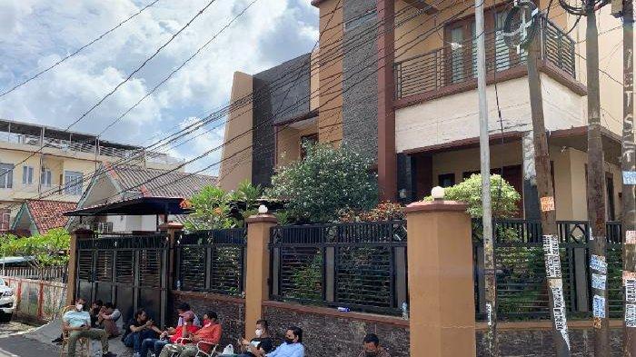 Heriyanti Cuma Bisa di Rumah, Jatanras Polda Sumsel Turun Tangan, Tongkrongi Rumah Anak Akidi Tio
