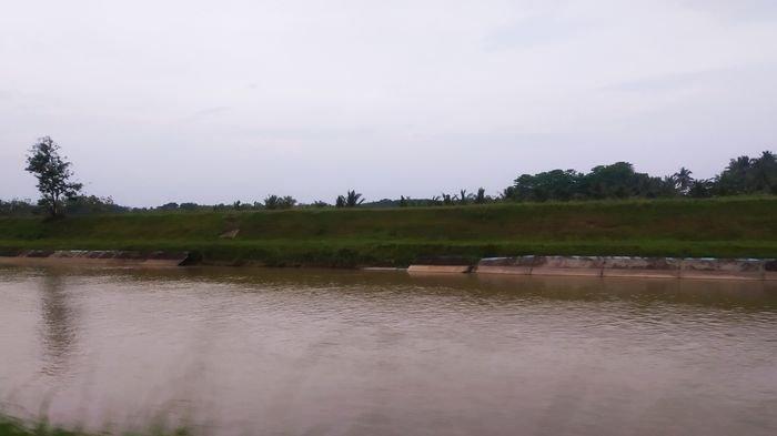 Beberapa Dinding Saluran Irigasi Upper Komering Jebol, Warga Khawatir Pengairan ke Sawah Terganggu