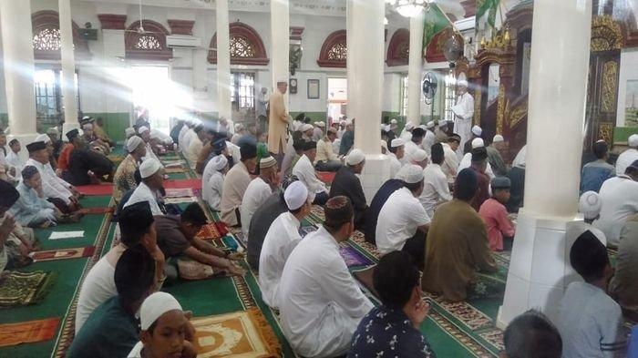 Khutbah Jumat Singkat Kita  Hari Ini, Juma t (13/11)  Mengambil Tema 'Melaksanakan Pekerjaan Ibadah'
